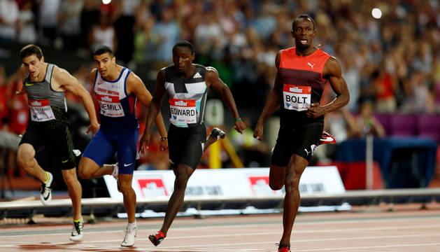 Bruno Hortelano, primero por la izquierda.