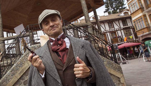 El actor Pepe Viyuela, caracterizado como Olmos.