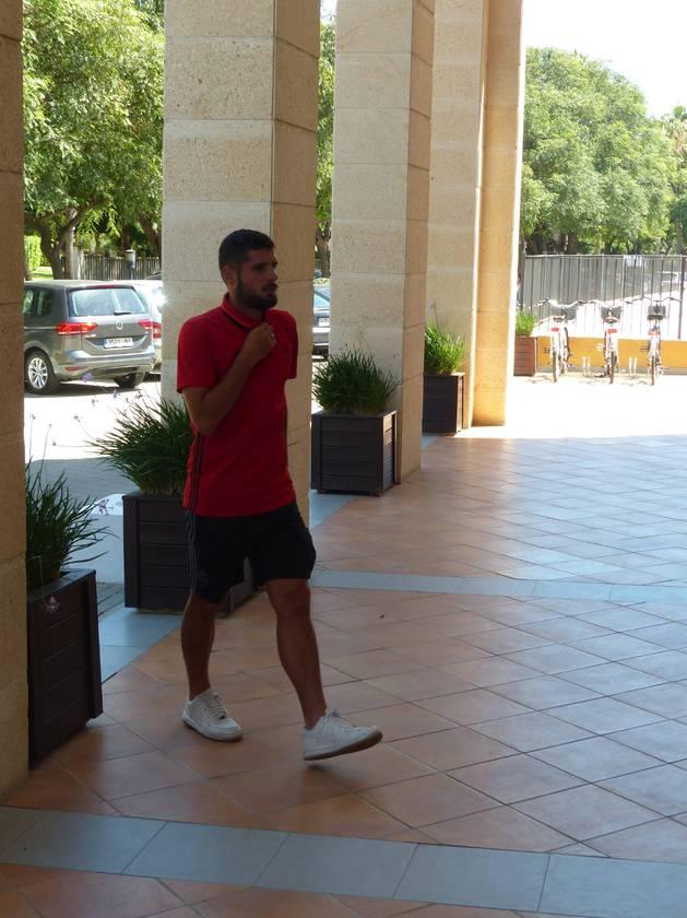 Fran Mérida, el último fichaje, a su llegada al hotel de Costa Ballena.