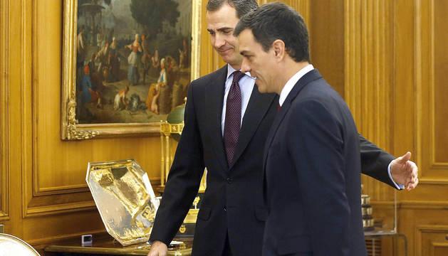 El Rey y Pedro Sánchez, en la anterior ronda de consultas.