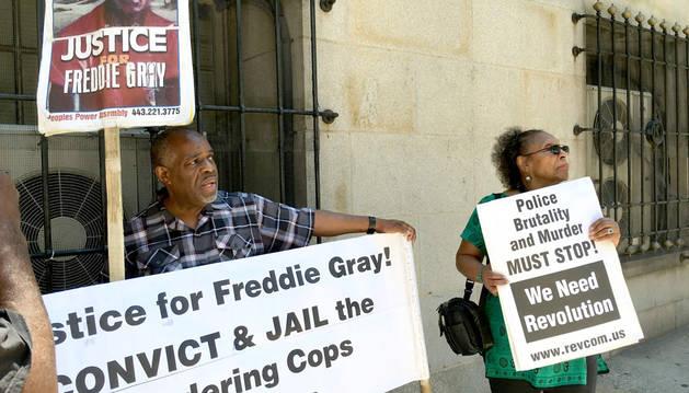 La muerte de un negro en EEUU se cierra sin condenas a policías