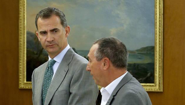 El rey Felipe recibe en el Palacio de la Zarzuela al portavoz de Compromís, Joan Baldoví.