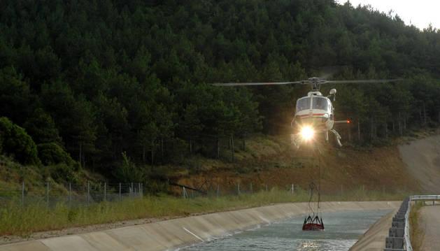 Un incendio quema 5 hectáreas de rastrojo y pinar en Mendigorría