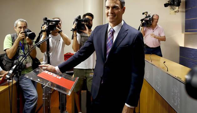 Pedro Sánchez, en la rueda de prensa posterior a su encuentro con el Rey.
