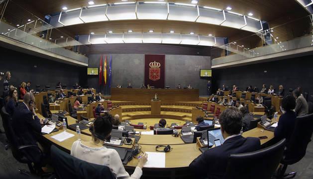 Los parlamentarios, durante una sesión plenaria de la Cámara.