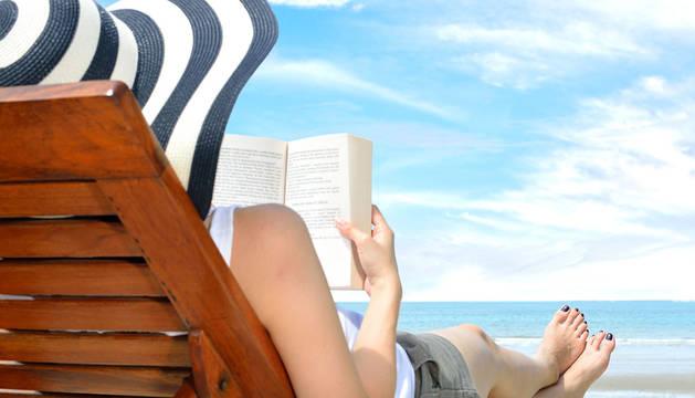 El periodista José Ignacio Roldán nos trae una sugerencia literaria para estos días de playa, monte o piscina.