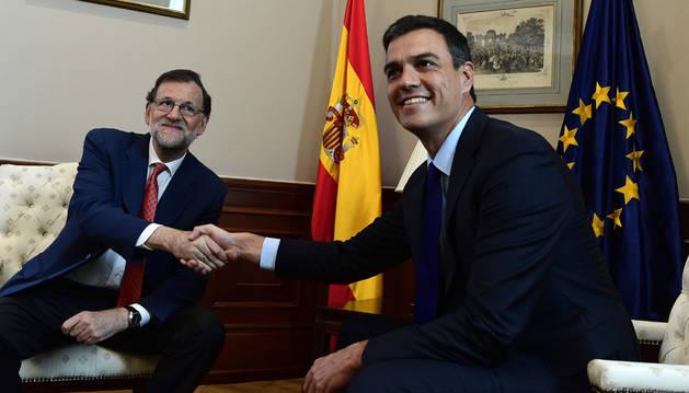 Pedro Sánchez rechaza la gran coalición que le ha ofrecido Mariano Rajoy.
