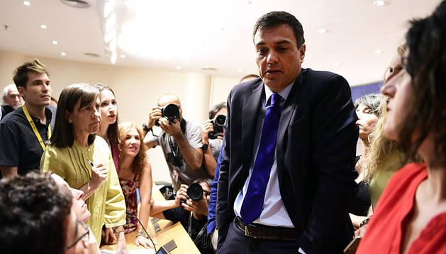 Sánchez dice que el Comité Federal del PSOE decidirá si cambian de postura