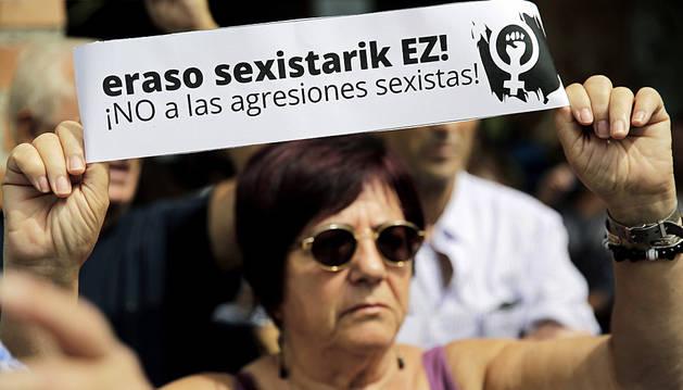Concentración en Barañáin contra las agresiones sexistas