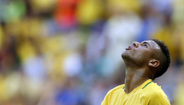 Neymar, contra Sudáfrica.