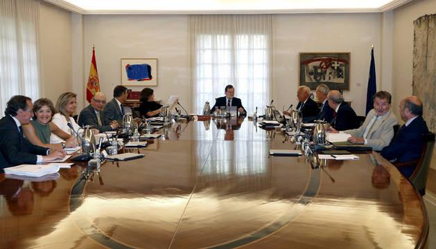 Rajoy busca convertir agosto en un infierno para que PSOE y C's cedan
