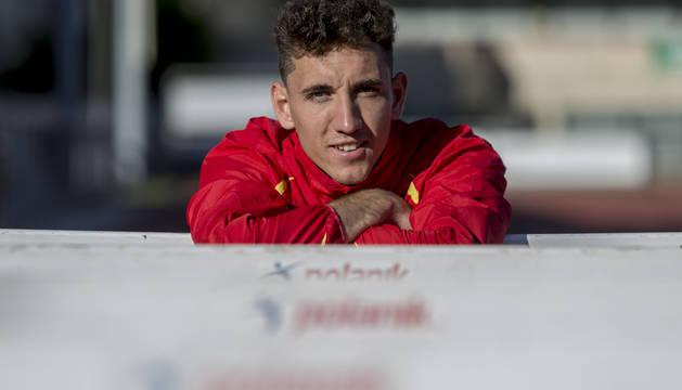 El vallista navarro Sergio Fernández paró el cronómetro de la prueba de 400mv en 49.02 segundos.