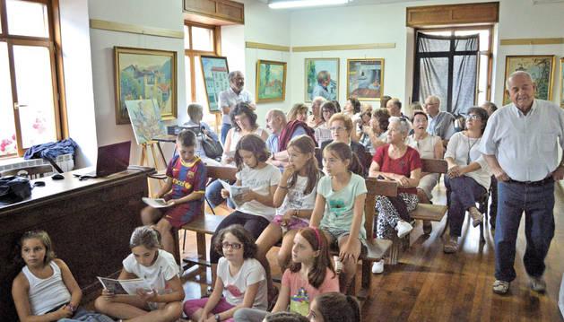 Oroz-Betelu recuerda a la pintora local Miren Itziar Blat