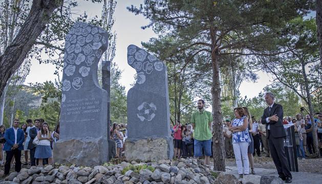 Biescas homenajea a las 87 víctimas de la riada veinte años después
