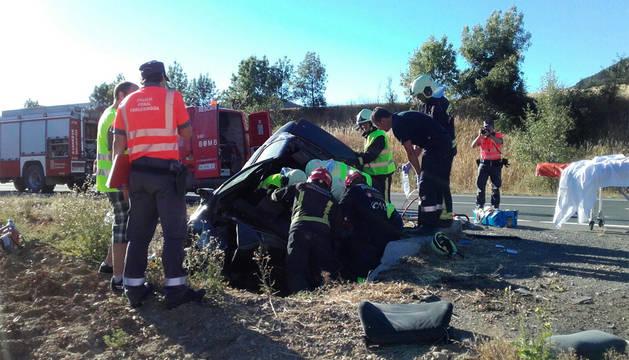 Han sido necesarias costosas labores de desatrapamiento por parte de los bomberos.