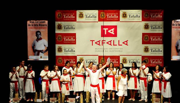José Antonio Pérez Caro, campeón en el certamen de jotas de Tafalla