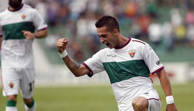 Sergio León celebra uno de los goles conseguidos con el Elche.