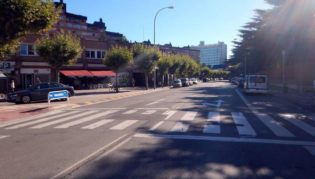Paso de peatones sin semaforizar de la calle Ermitagaña, lugar del suceso.