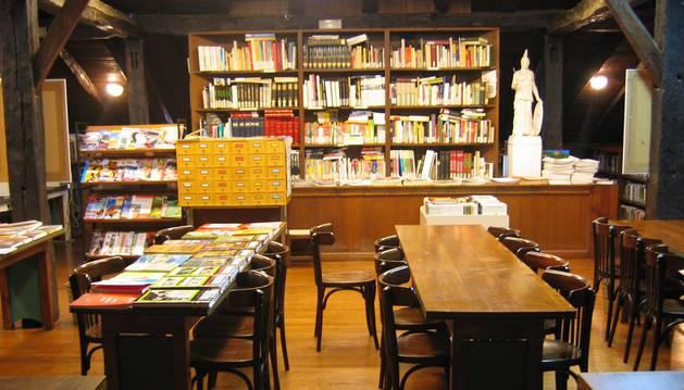 Biblioteca de Lesaka.