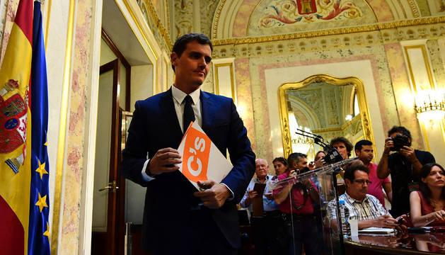 Rivera da otro paso hacia el 'sí' a Rajoy
