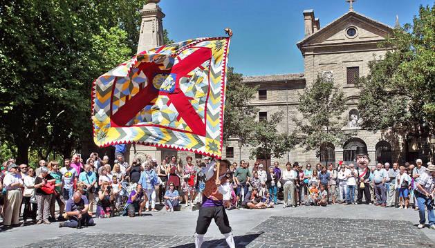 La calle San Lorenzo de Pamplona vivió ayer su jornada festiva