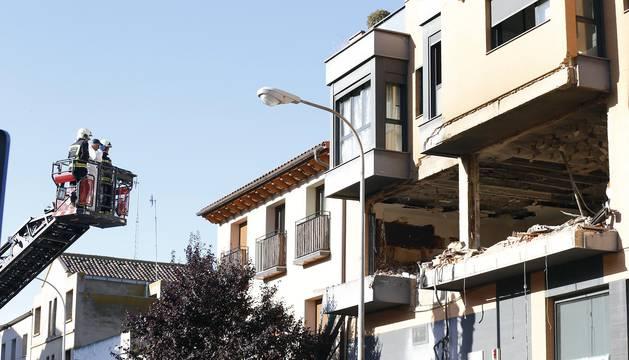 Explosión e incendio de una vivienda en la calle Fuente Canónigos, en Tudela.