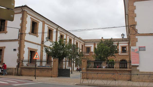 Exterior de la Escuela de Arte de Corella.