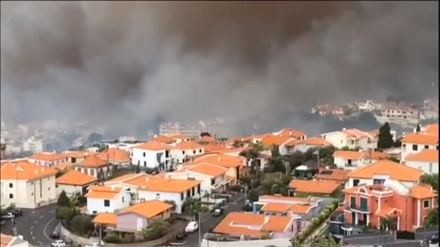 El incendio de Madeira continúa extendiéndose por la capital