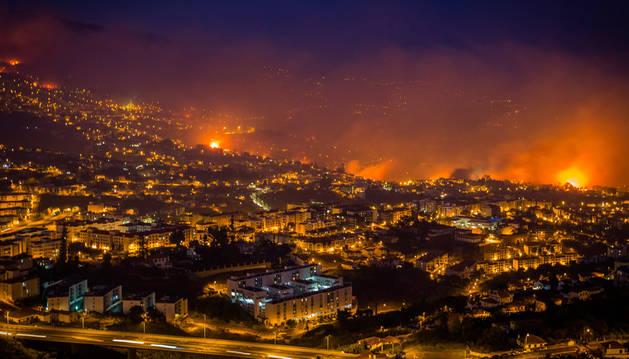 Tres muertos en el grave incendio que azota la capital de Madeira