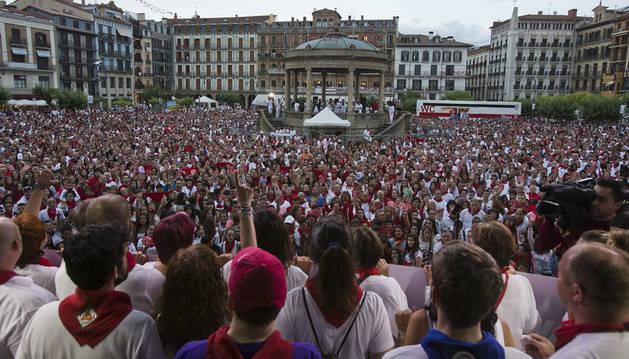 Cientos de manifestantes en la segunda concentración de los últimos Sanfermines contra las agresiones sexistas.