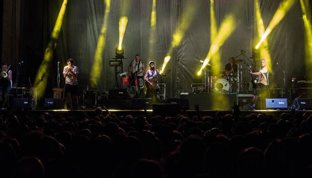 Manu Chao reunió a 18.000 personas en Los Llanos en el concierto celebrado anoche.