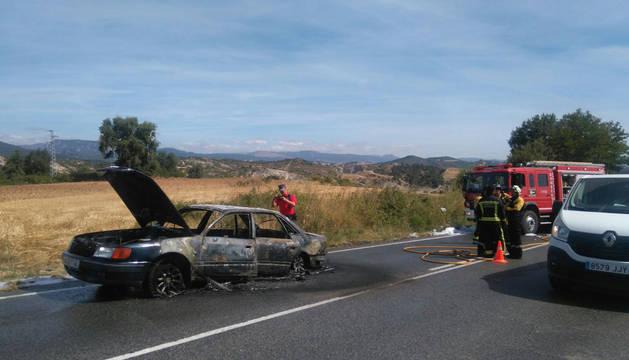 Arde un vehículo en Ayegui