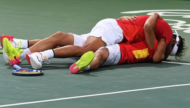 España se asegura otra medalla en el doble masculino de tenis