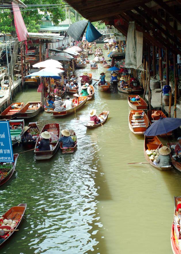 Imagen del mercado flotante de Bangkok, en Tailandia.