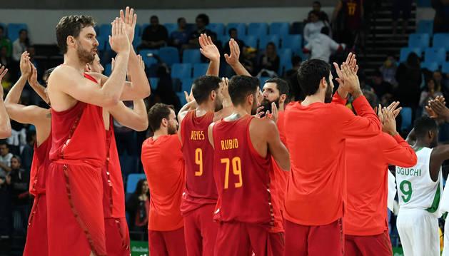 España sufre para lograr su primera victoria ante Nigeria