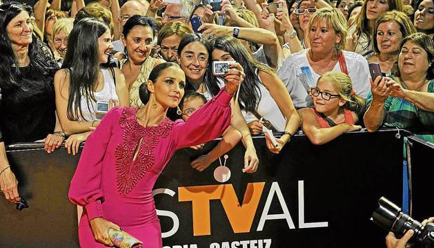 La protagonista de 'Velvet' Paula Echevarría en el fesTVal de Vitoria de 2013.