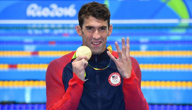 Phelps sigue siendo el rey del 200 estilos y entra en la historia