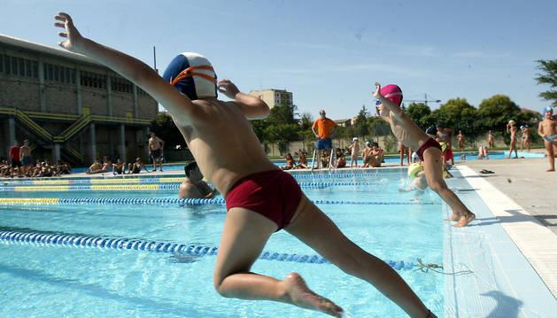 Torneo en las piscinas públicas de Tafalla.