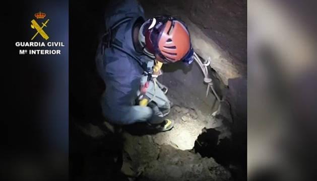 Rescatado el espeleólogo francés accidentado en una sima de Larra