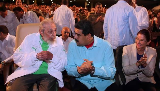 Fidel Castro reaparece junto a Maduro en el homenaje por su 90 cumpleaños