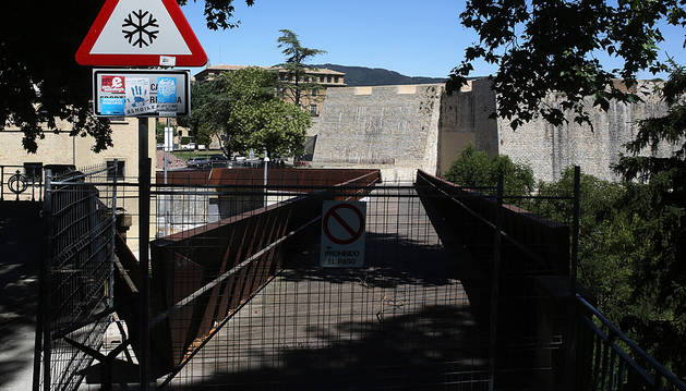 La pasarela del Labrit continúa cerrada desde comienzos de julio