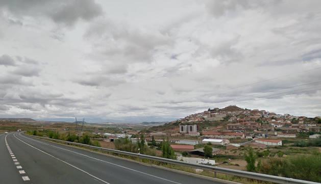 Imagen de la carretera N-232 a su paso por la localidad riojana de Ausejo.
