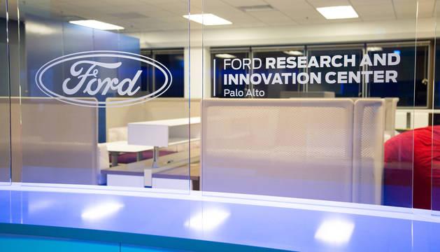 Ford prevé tener un vehículo plenamente autodirigido para 2021