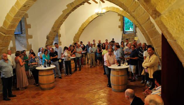 Un momento de la puja celebrada a última hora de la tarde en la Oliva.
