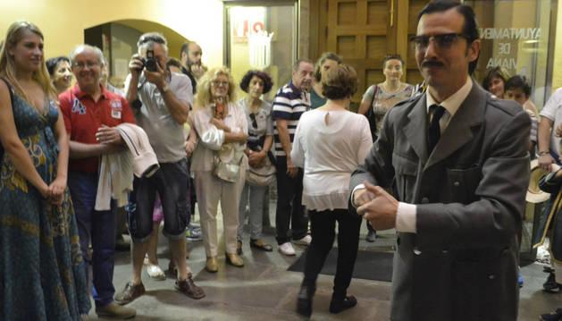Las visitas teatralizadas en Viana cuelgan el cartel de completo