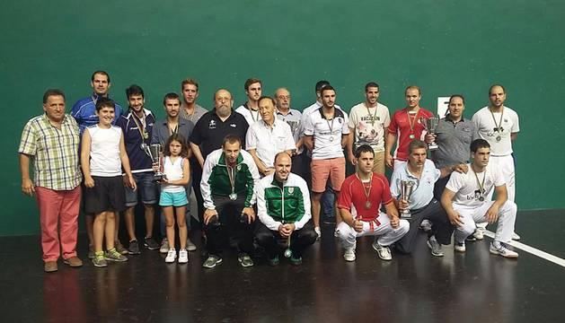 Campeones y finalistas, en el Labrit.