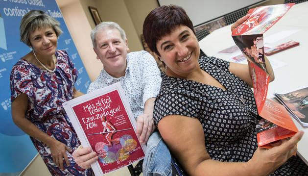 De izda. a dcha.: Aurora Pérez Zurbano, Javier Gómez Vidal y Belén Álvarez San Juan, en la presentación ayer del Festival de Circo.