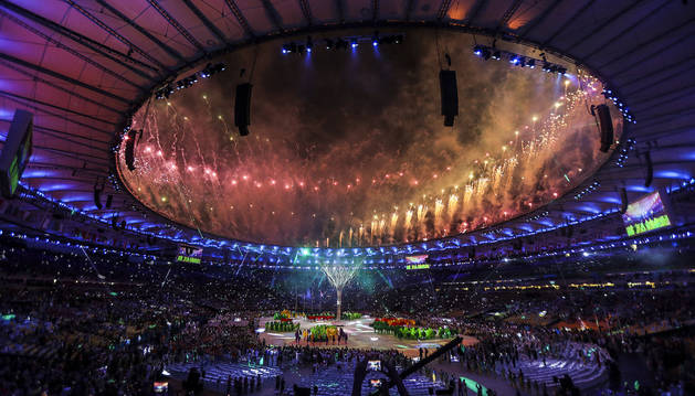 Carnaval y samba en la emotiva despedida de Río a los Juegos de 2016