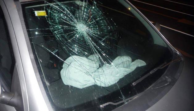 Policía Municipal investiga los daños causados a vehículos en San Juan
