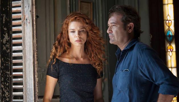 Los protagonistas de Vientos de La Habana, Juana Acosta y Jorge Perugorría.